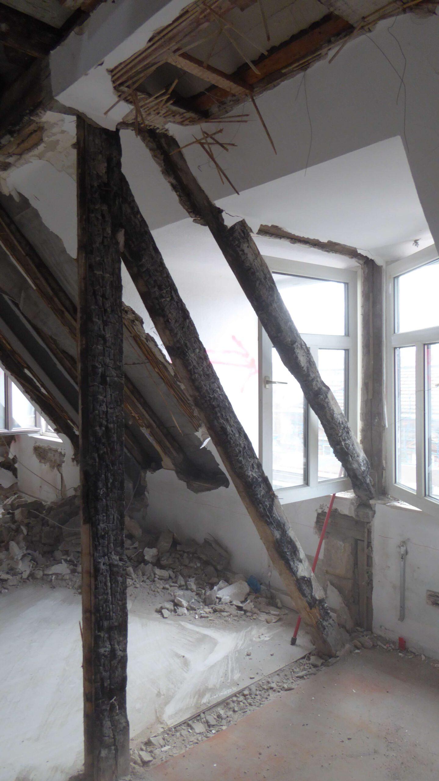 kaputt Dach